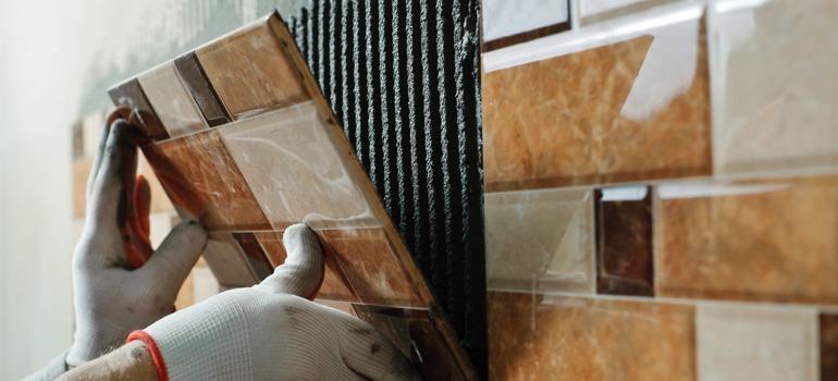 Badkamer tegels plaatsen